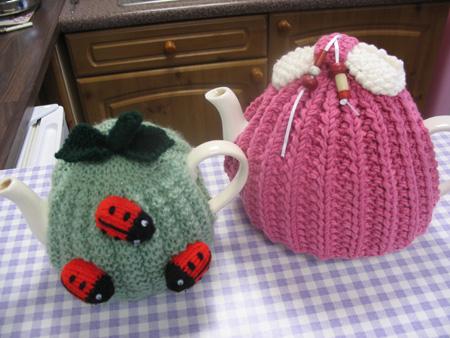 Enchanting Free Knit Tea Cozy Pattern Ornament - Easy Scarf Knitting ...